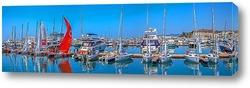 Постер Панорама мелководного причала морпорта Сочи. Яхты национальной парусной лиги 2016 перед стартом