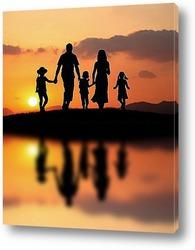 Постер Вся семья провожает удачный день