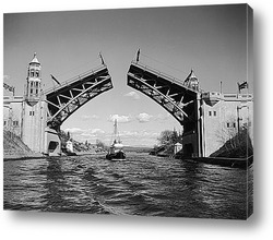 Постер Судно проплывающее под мостом Монтлайк.