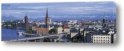 Стокгольм. На узкой улице
