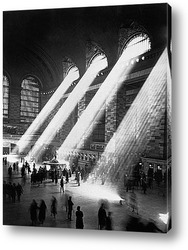 Постер Солнечные лучи в Главном центральном вокзале Нью-Йорка.