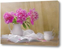 Retro grunge still life of dried flowers in vase against worn wo