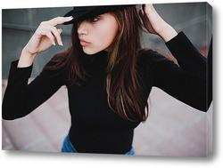 Постер Девушка в черном