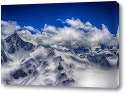 Постер Спят на вершинах облака....