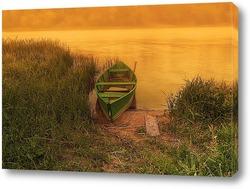 Старая лодка в реке Неман