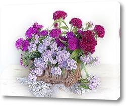Картина Цветы Гвоздики в бело-розовых тонах в карзинке