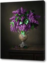 Натюрморт с букетом лиловой сирени