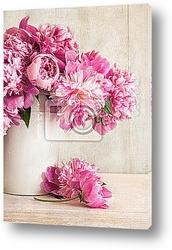 Постер Pink peonies in vase