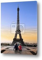 Вид на Эйфелеву башню с реки