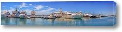 Постер Катера и яхты в акватории