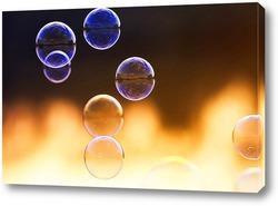 Постер нарядный фон из прозрачных мыльных пузырей на закате