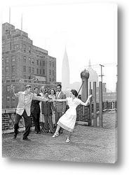 Большие антенны на фоне города, Нью-Йорк 1945