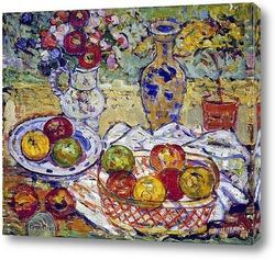 Натюрморт с яблоками и вазой
