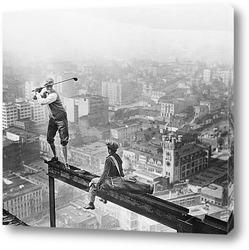 Постер Игрок в гольф на балке