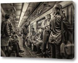 Постер В метро #1