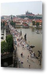 Один из многочисленных мостов Праги