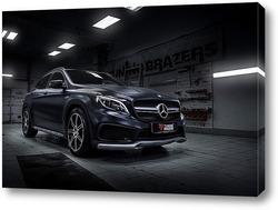 Постер Mercedes GLA 45 AMG
