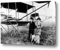 Постер Черчиль с женой Клементиной в Хендоне у одного из первых самолёт