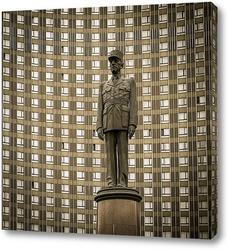 Постер Памятник Шарлю де Голю в Москве