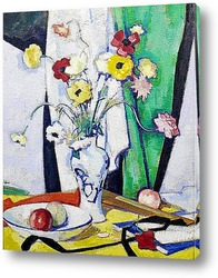 Розы в белоголубой вазе