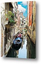 Маленький канал и дом. Венеция, Италия.