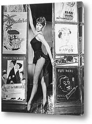 Мерелин Монро в развевающейся юбке.