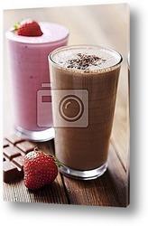 Постер Chocolate and strawberry milkshake