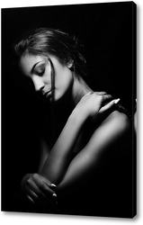 Постер портрет девушки в черно-белых тонах