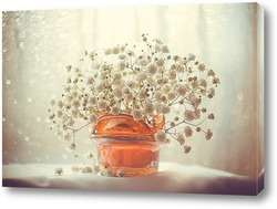 Бабочка нна цветке в ретро стиле