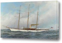 Прекрасная яхта в море
