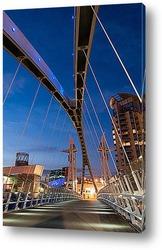 Постер Ночное освещение моста тысячелетия в Манчестере