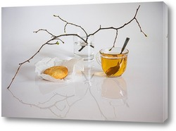 Постер У чая аромат весны