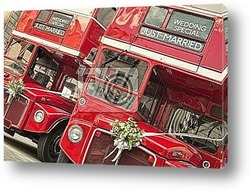 Постер Double Decker buses with just married sign in London.