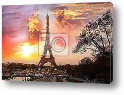 Знаменитая Триумфальная арка осенью, Париж, Франция