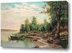 Вид на озеро с рыбалкой человека в лодке.