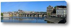 Панорама на стену с видом на пражский мост