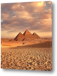 Sunset at Cheops Pyramid in Giza, Egypt
