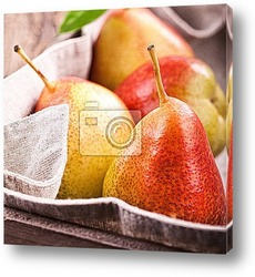 Свежие натуральные абрикосы