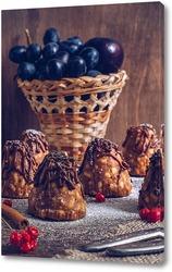 Постер Десерт. Пирожное со сгущенкой и фруктами.