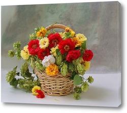 Постер Корзинка с шишками хмеля и цветами