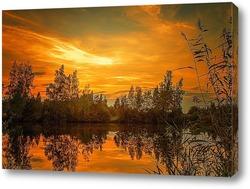 Sunset on water wavy of sea