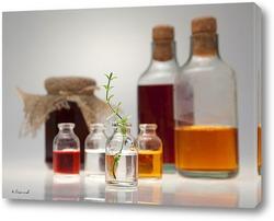 Бутылки на кухонном столе