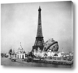 Вид на Эйфелеву башню с территории выставки