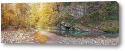 Постер Панорама реки Хоста с осенним отражением