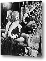 Мерлин Монро позирующая на решётке подземки,1954г.