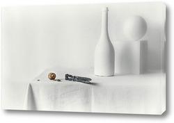 Белый натюрморт с орехом (Нейрохирургия)