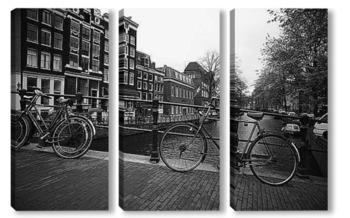Модульная картина Велосипедная стоянка на мосту