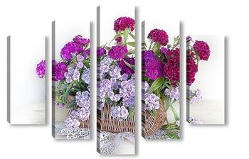 Модульная картина Цветы Гвоздики в бело-розовых тонах в карзинке