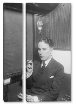 Модульная картина Чарли Чаплин с сигаретой.