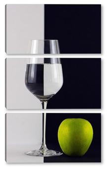Модульная картина Черное и белое с зеленым яблоком